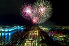 Summen Sie herein mit Feuerwerken laut Lizenzfreies Stockfoto
