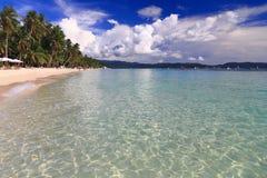 Summer beach with blue sky Royalty Free Stock Photos