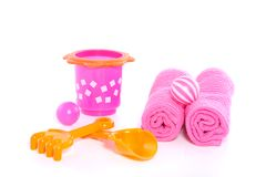 Summer beach toys en towels Royalty Free Stock Photography