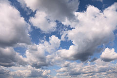 Summer blue sky covered with cumulus clouds Royalty Free Stock Photos