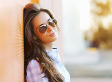 Summer fashion portrait pretty sensual woman in sunglasses Stock Photos