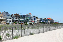 Summer homes in Jersey shore. Victorian houses standing along the sand dunes Stock Photography