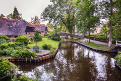 Summer in old dutch village, Giethoorn Royalty Free Stock Photos