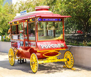 Summer pleasure. Mobile popcorn offer in Washington D.C. by a hot sunny afternoon Stock Photos