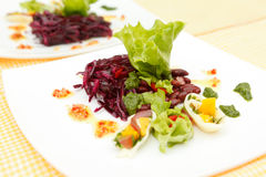 Summer salad with calamari Royalty Free Stock Images