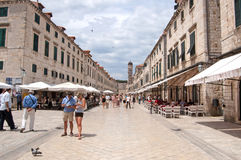Summer scene of the main street (Stradun or Placa), Croatia Royalty Free Stock Photos