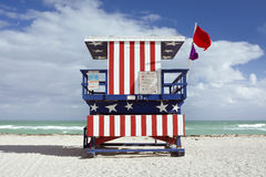 Free Summer Scene With A Lifeguard House In Miami Beach Royalty Free Stock Photos - 22473008