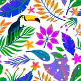 Summer vector seamless pattern with hand drawn tropical leaves,toucan and flowers