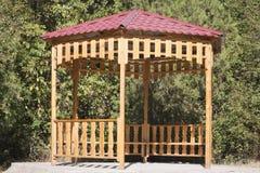 Summerhouse no parque Fotos de Stock Royalty Free