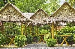 Summerhouses en un jardín verde Fotografía de archivo libre de regalías