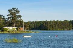 Summerhouses pequenos Finlandia Fotos de Stock Royalty Free