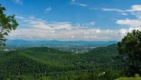 Summertine sikt av den Roanoke dalen Fotografering för Bildbyråer