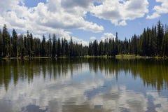 Summit湖拉森国家公园,加利福尼亚 免版税库存照片