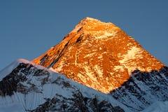 Summit of Mt. Everest at Sunset. Last rays of sunlight on summit of Mt. Everest, Khumjung, Solu Khumbu, Nepal Stock Photos