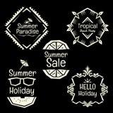 Summmer-Feiertagsvektorfahnengekritzelart-Rahmensammlung Stockbilder