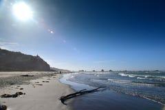 Sumner Beach que es popular entre los locals, en Christchurch imagen de archivo