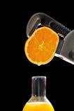 Sumo de laranja destilado imagens de stock