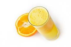 Sumo de laranja e fatia frescos Foto de Stock Royalty Free