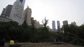 Sun über Gebäuden New York stock video footage