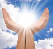 Sun в руках стоковое фото rf