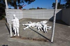 Sun на импрессивном мемориале холокоста Стоковые Изображения