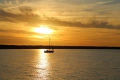 Sun abajo en el mar Báltico Fotografía de archivo libre de regalías