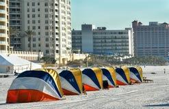 Sun abriga la playa de Clearwater foto de archivo