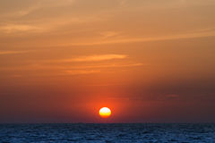 Sun ajustou-se na praia do pattya Fotografia de Stock