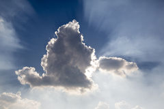 Sun atrás da nuvem foto de stock royalty free