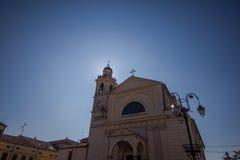 Sun atrás da torre de sino Foto de Stock