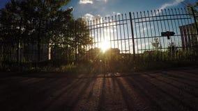 Sun através da cerca filme