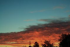 Sun auf dem Horizont Lizenzfreie Stockfotos