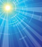 Sun auf einem blauen Himmel Stockbilder