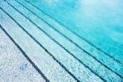 Sun auf Pool-Zusammenfassung lizenzfreie stockfotos