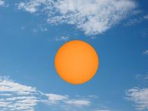 Sun avec des taches solaires vues avec le télescope Photos libres de droits