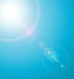Sun avec l'épanouissement de lentilles Photo stock