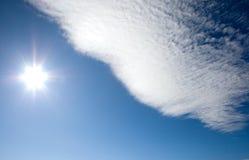 Sun avec le nuage Images libres de droits