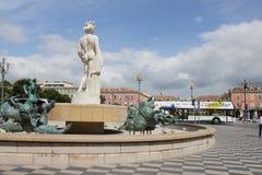 Sun-Brunnen an, Platz Massena in der französischen Stadt von Nizza Lizenzfreies Stockfoto