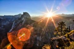 Sun che aumenta sopra il punto del ghiacciaio Fotografie Stock