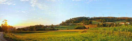 Sun che aumenta su una scena del paese Fotografia Stock Libera da Diritti