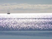 Sun che lucida sull'acqua Fotografie Stock Libere da Diritti