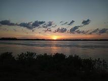 Sun che mette sopra il Mississippi fotografia stock libera da diritti
