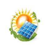 Sun con el panel solar en verde deja el círculo aislado en blanco ilustración del vector
