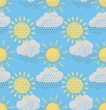 Sun con il modello senza cuciture delle nuvole Immagine Stock Libera da Diritti
