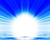 Sun, der über den Ozean steigt