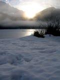 Sun, der auf dem See scheint Stockbilder