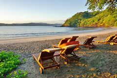 Sun, der über den Playa BLANCA-Strand in Papagayo, Costa Rica steigt Lizenzfreies Stockbild