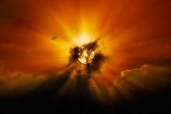Sun derrière des nuages image libre de droits