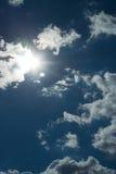 Sun detrás de las nubes Fotos de archivo libres de regalías
