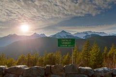 Sun di pomeriggio sopra la gamma di Tantalus dall'allerta a Vancouver BC Canada Immagine Stock